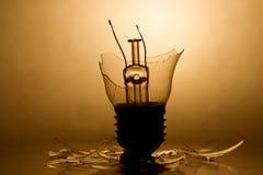 Ampoule cassée image stock
