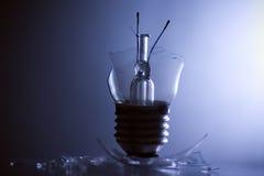 Ampoule cassée Photos stock