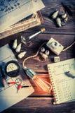Ampoule d'Edison d'essai et diagrammes électriques dans la salle de classe Images stock