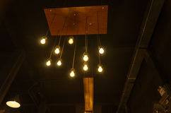 Ampoule dans l'obscurité Photos libres de droits