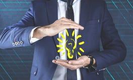 Ampoule de main d'homme images libres de droits