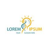 Ampoule moderne avec le logo de structure d'ADN Images stock