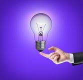 Ampoule sur l'extrémité du doigt Image stock
