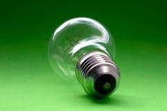 Ampoule sur le vert Image stock