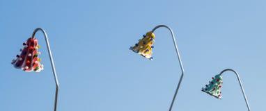 ampoules accrochant sur un endroit fixe Image stock