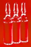 Ampoules en verre avec la médecine image stock