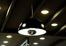 Ampoules rondes pour l'illumination la nuit photographie stock libre de droits
