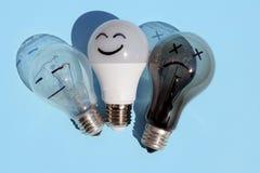 Ampoules sur un fond bleu photo libre de droits