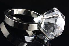 ampuła diamentowy pierścionek Zdjęcie Stock