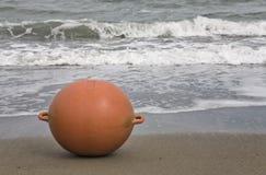 Ampuła pławik na plaży fotografia royalty free