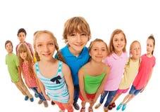 Ampuły grupa dzieciaka szerokiego kąta śmieszny krótkopęd Obrazy Royalty Free