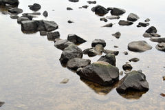 Ampuła kamieni przejrzysta rzeka Zdjęcia Royalty Free