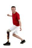 Amputato maschio che mostra l'uso di un arto prostetico Fotografie Stock