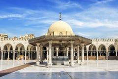 AMR Ibn AlAasa清真寺的内部在开罗 图库摄影