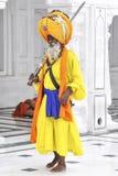 Amritsar, India, Wrzesień 4, 2010: Indiański sikhijczyk w tradycyjnym c fotografia royalty free