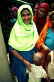 Amroha, Utar Pradesh, Indien - 2011: Nicht identifizierte indische Leute stockbild