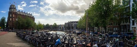 Amsterdão Bicycles o panorama Foto de Stock Royalty Free