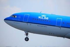 Amsterdão os Países Baixos - 2 de abril de 2017: Linhas aéreas de PH-AOD KLM Royal Dutch Fotografia de Stock