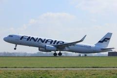 Amsterdão os Países Baixos - 2 de abril de 2017: OH-LZM Finnair Airbus Imagens de Stock