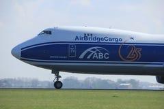Amsterdão os Países Baixos - 2 de abril de 2017: VQ-BLR AirBridgeCargo Boeing Foto de Stock Royalty Free