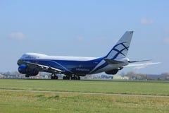Amsterdão os Países Baixos - 2 de abril de 2017: VQ-BLR AirBridgeCargo Boeing Imagem de Stock