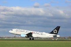 Amsterdão os Países Baixos - 7 de abril de 2017: OE-LBX Austrian Airlines Airbus Imagem de Stock Royalty Free