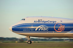 Amsterdão, os Países Baixos - 1º de junho de 2017: VQ-BVR AirBridgeCargo Imagens de Stock Royalty Free