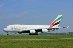 Amsterdão os Países Baixos - 6 de maio de 2017: Emirados Airbus A380-800 de A6-EEX Fotos de Stock