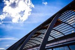 AMSTERDÃO, PAÍSES BAIXOS - 15 DE AGOSTO DE 2016: Vidros da estação central do close-up de Amsterdão Amsterdão - Países Baixos Imagem de Stock
