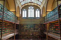 Amsterdão, Países Baixos - 6 de maio de 2015: Biblioteca de investigação de Rijksmuseum foto de stock royalty free