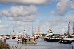 amsterdam 2010 ståtar seglar Arkivfoton