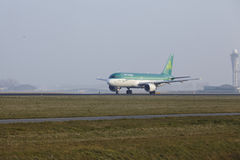 Amsterdam Airport Schiphol - Airbus 320 of Aer Lingus takes off Stock Image