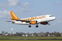 Amsterdam Airport Schiphol - Airbus A319 of EasyJet lands Royalty Free Stock Photography