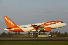 Amsterdam Airport Schiphol - Airbus A319 of EasyJet lands Stock Images