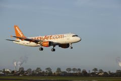 Amsterdam Airport Schiphol - Airbus A320 of EasyJet lands Stock Images