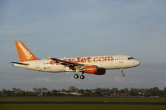 Amsterdam Airport Schiphol - Airbus A320 of EasyJet lands Royalty Free Stock Images