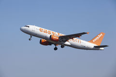 Amsterdam Airport Schiphol - EasyJet Airbus A320 takes off Royalty Free Stock Image