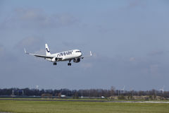 Amsterdam Airport Schiphol - Finnair Airbus A321 lands Stock Photos