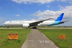 Garuda Indonesia. Amsterdam Airport Schiphol - Garuda Indonesia Boeing 777 Stock Photography