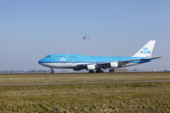 Amsterdam Airport Schiphol - KLM Boeing 747 takes off Royalty Free Stock Photos