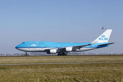 Amsterdam Airport Schiphol - KLM Boeing 747 takes off Royalty Free Stock Images