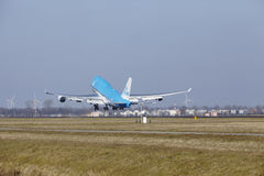 Amsterdam Airport Schiphol - KLM Boeing 747 takes off Royalty Free Stock Photography