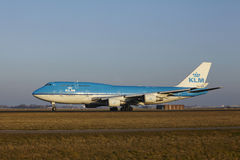 Amsterdam Airport Schiphol - KLM Boeing 747 takes off Stock Photos