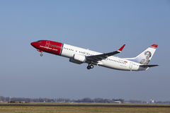 Amsterdam Airport Schiphol - Norwegian Airlines Boeing 737 Takes Off Royalty Free Stock Photos