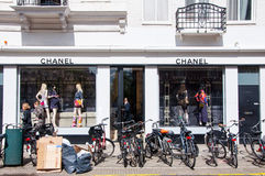 AMSTERDAM-APRIL 30: Chanel store on the P.C.Hooftstraat luxurious shopping street on April 30,2015 in Amsterdam. Royalty Free Stock Photos