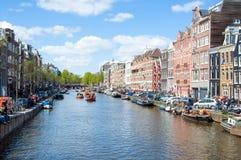 27 Amsterdam-APRIL: Cityscape van Amsterdam op de Dag van de Koning, op 27,2015 April, Nederland Royalty-vrije Stock Foto