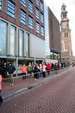30 Amsterdam-APRIL: De mensen bevinden zich in lijn om Anne Frank House Museum op 30,2015 te bezoeken April Stock Foto