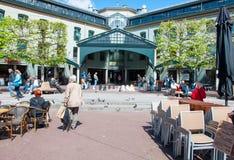30 Amsterdam-APRIL: De niet gedefiniëerde mensen spelen schaak op de straat van Amsterdam op 30,2015 April, Nederland Stock Foto
