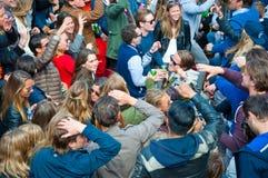 27 Amsterdam-APRIL: De openluchtpartij, mensen danst tijdens de Dag van de Koning op 27,2015 April in Amsterdam, Nederland Royalty-vrije Stock Foto