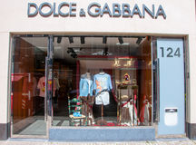 30 Amsterdam-APRIL: Dolce & Gabbana-opslag op P C Hooftstraat het winkelen straat op 30,2015 April Stock Fotografie